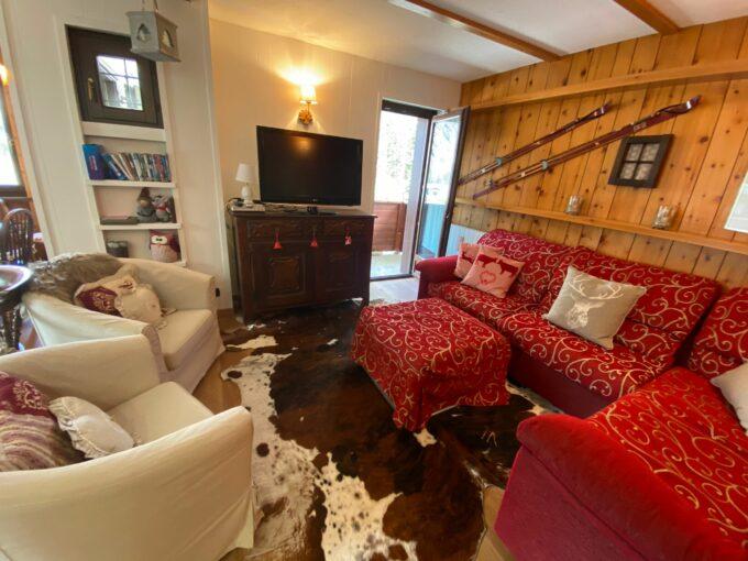 Caratteristico appartamento in stile montano